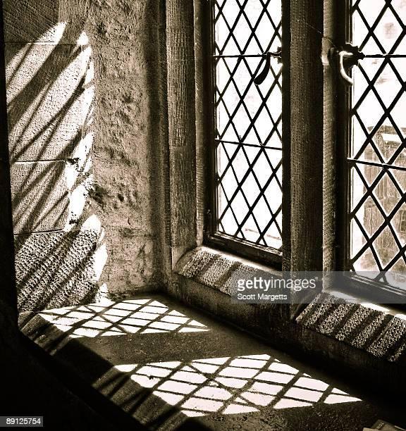 window light in the tower - rebord de fenêtre photos et images de collection