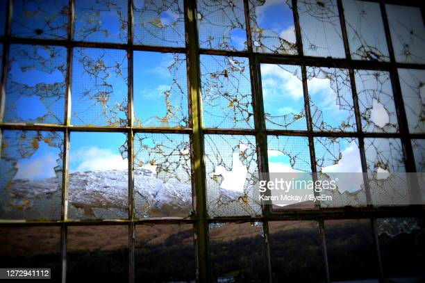 window of abandoned building - karen mckay stock pictures, royalty-free photos & images
