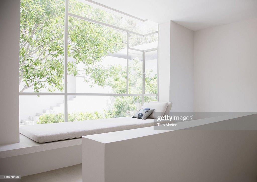 Window seat : Bildbanksbilder