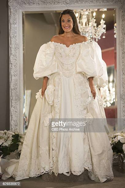 'Window Vanity Dress Grace' When Colleen goes wedding dress shopping with her future inlaws she must deal with Joan's unfiltered opinions Also when...