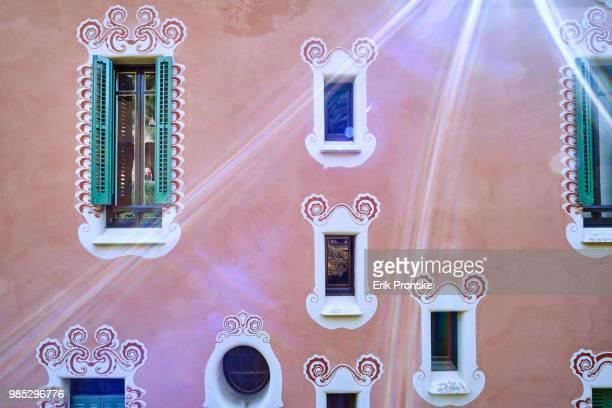 Windows and Sunstreaks
