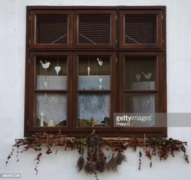 windows of the world (rust) - rust colored - fotografias e filmes do acervo