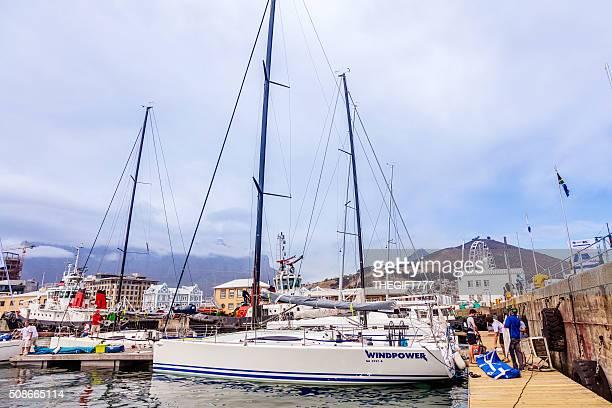 Windpower Rennsport Jacht am Cape Stadt Hafen