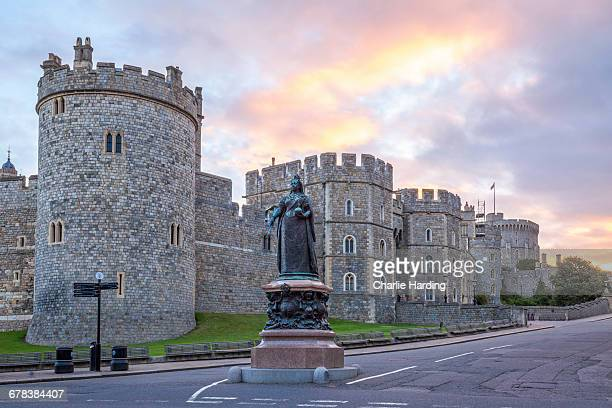 windsor castle and statue of queen victoria at sunrise, windsor, berkshire, england, united kingdom, europe - windsor england stock pictures, royalty-free photos & images