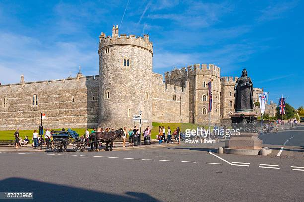 windsor castle and victoria memorial - windsor castle stock pictures, royalty-free photos & images