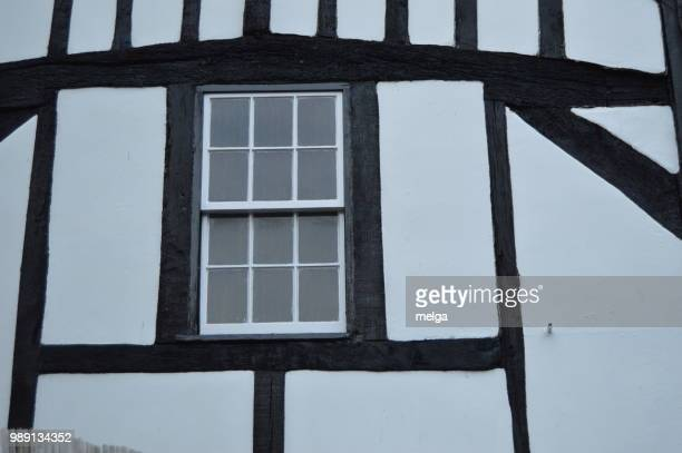 windsor windows - ハーフティンバー様式 ストックフォトと画像