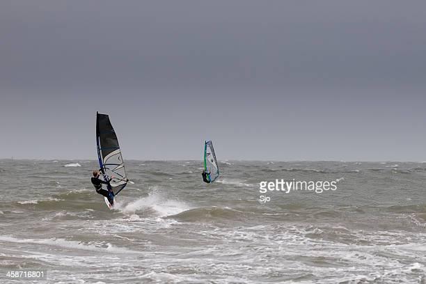 "windsurf en una tormenta - ""sjoerd van der wal"" or ""sjo"" fotografías e imágenes de stock"