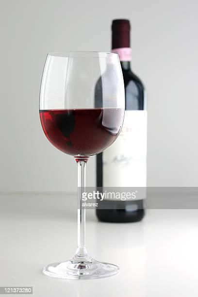 Et bouteille de vin