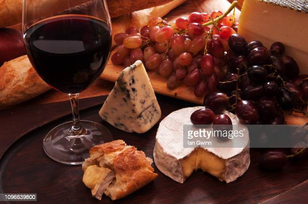 wine and cheese - ian gwinn - fotografias e filmes do acervo