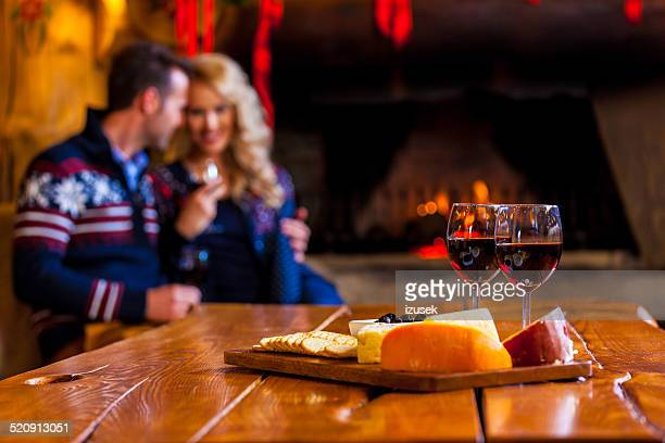wine and cheese - franse cultuur stockfoto's en -beelden