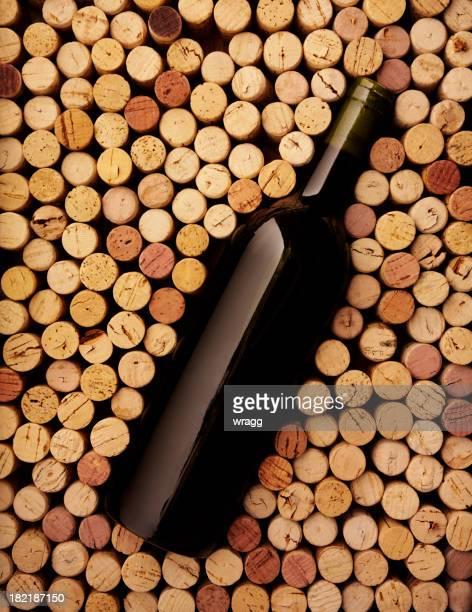 Botella de vino y Corks