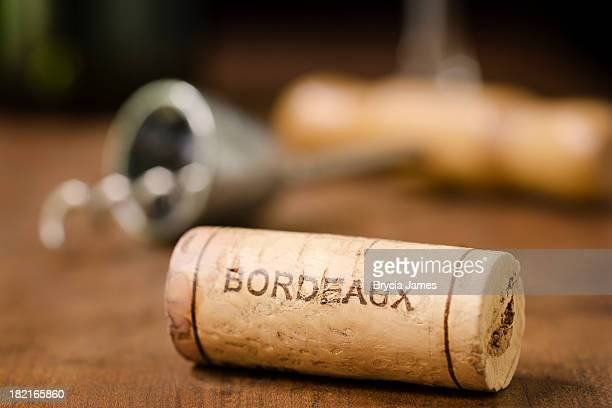 wine cork from bordeaux france horizontal - franse cultuur stockfoto's en -beelden