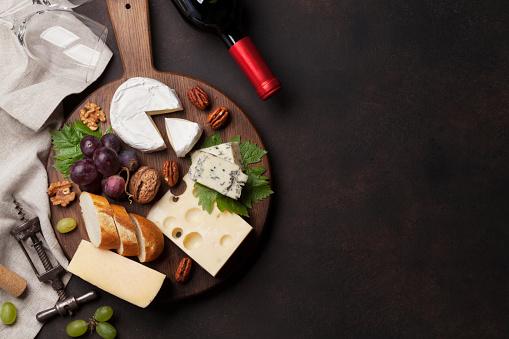 Wine, grape and cheese 1011889442