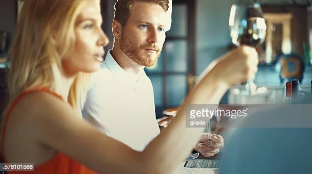 Dégustation de vins.