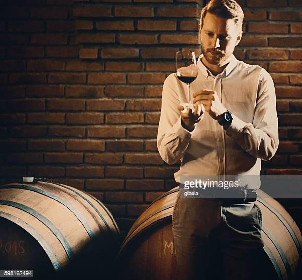 ワインのテイスティング。