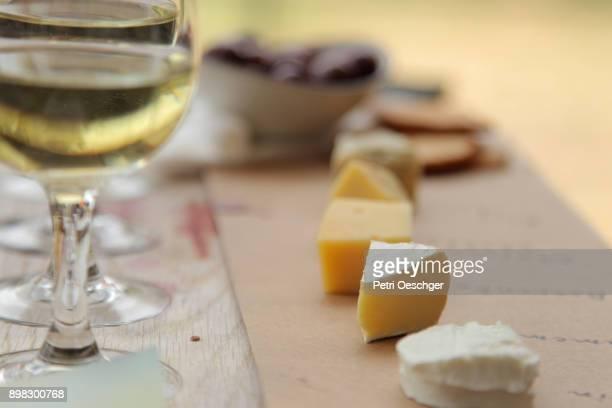wine tasting. - ペア ストックフォトと画像
