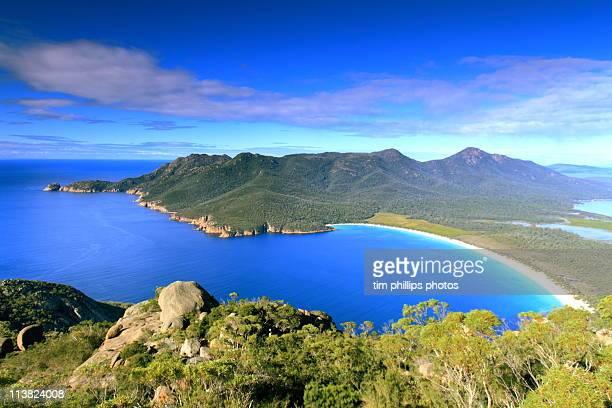 wineglass bay, tasmania, australia - tasmania stock pictures, royalty-free photos & images