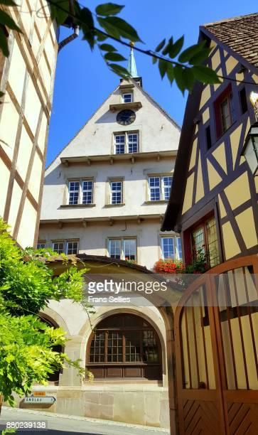 winery in mittelbergheim, alsace, france - frans sellies stockfoto's en -beelden