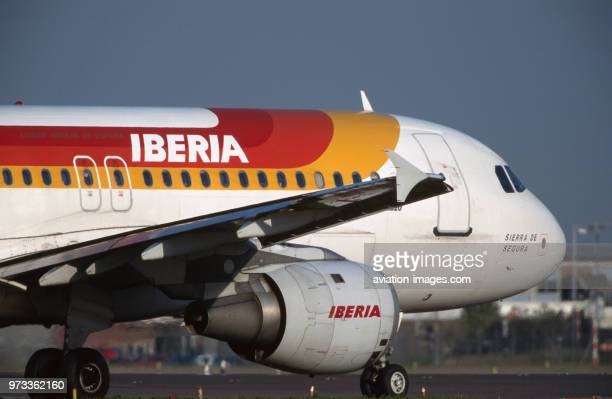 winglet and CFM565A1 jetenginecowling of an Iberia Airbus A320200 taxiing