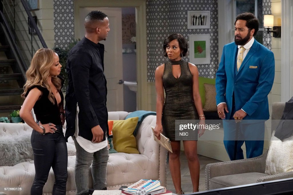 MARLON -- 'Wingman' Episode 203 -- Pictured: (l-r) Essence Atkins as Ashley Wayne, Marlon Wayans as Marlon Wayne, Bresha Webb as Yvette, Diallo Riddle as Stevie --