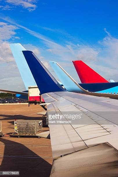 wings and tails. - vertical stabilizer stock pictures, royalty-free photos & images