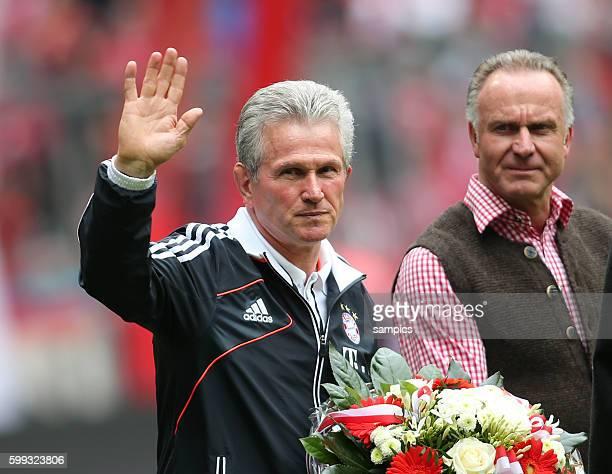 Winkte den Fans zum Abschied Trainer Jupp Heynckes FC Bayern München mit Vorstandsvorsitzender Karl Heinz Rummenigge FC Bayern München 1 Bundesliga...