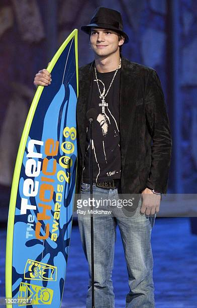 Winner Ashton Kutcher for Choice Male Hottie during 2003 Teen Choice Awards Show at Universal Amphitheatre in Universal City California United States