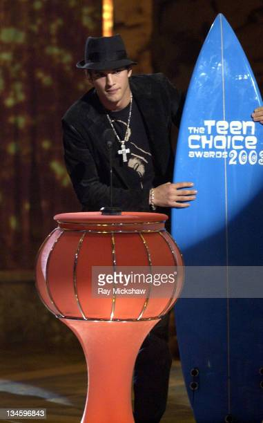Winner Ashton Kutcher for Choice TV Comedy Actor during 2003 Teen Choice Awards Show at Universal Amphitheatre in Universal City California United...