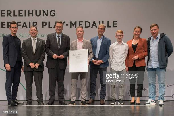 Winner Fabian Kohler and Lothar Bornkessel from the national association SachsenAnhalt with Miroslav Klose DFB President Rheinhard Grindel Inka...