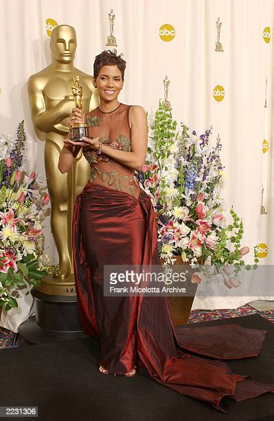 Winner for best actress Halle Berry backstage at the 74th Annual Academy Awards at The Kodak Theatre in Hollywood CA 3/24/2002