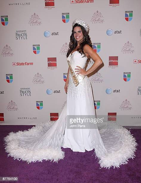 Winner Greidys Gil poses at the Grand Finale of Univisions popular reality competition Nuestra Belleza Latina at Greenwich Studios on May 17 2009 in...