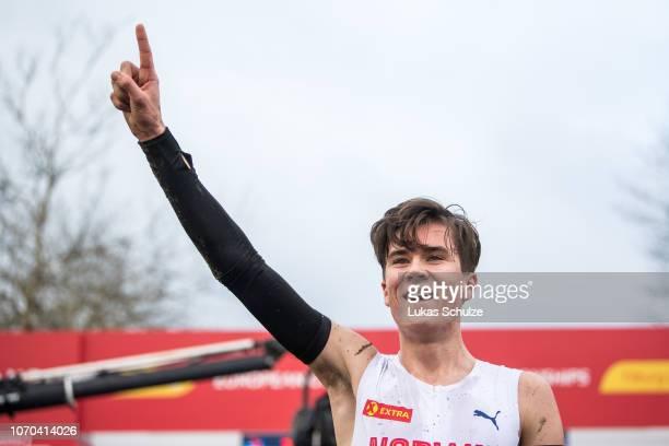 Winner Jakob Ingebrigtsen of Norway celebrates during the U20 Men's race of the SPAR European Cross Country Championships on December 9 2018 in...