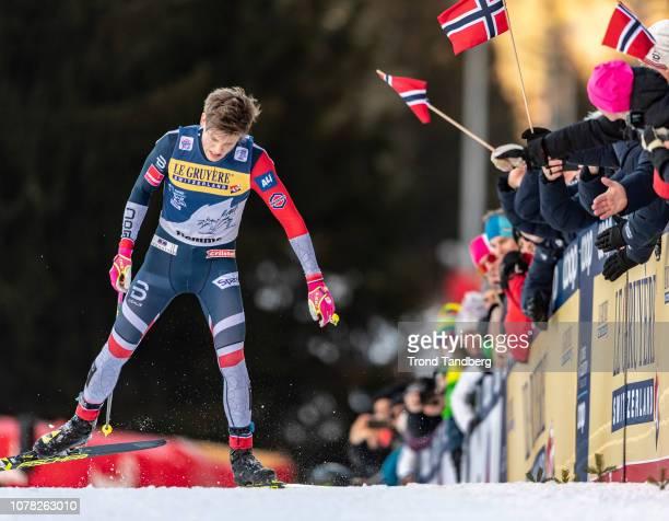 Winner Johannes Hostflot Klaebo of Norway during the last 100 meter of Tour de Ski Men 9.0 km Pursuit Free - Final Climb on January 6, 2019 in Val di...