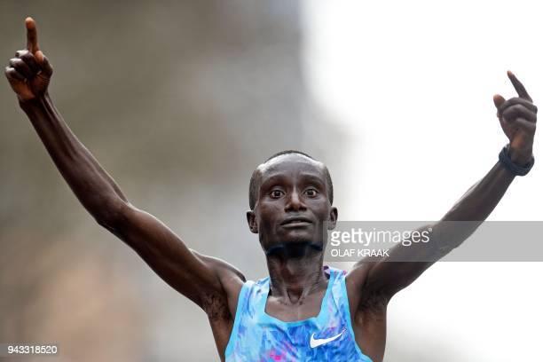 Winner Kenneth Kipkemoi of Kenia celebartes during the 2018 Rotterdam Marathon in Rotterdam Netherlands on April 8 2018 / AFP PHOTO / ANP / Olaf...