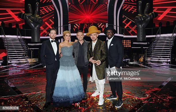 Winner Kevin Simm poses with Coaches Ricky Wilson Paloma Faith Boy George and William at The Voice Live Final Elstree Studios on April 9 2016 in...