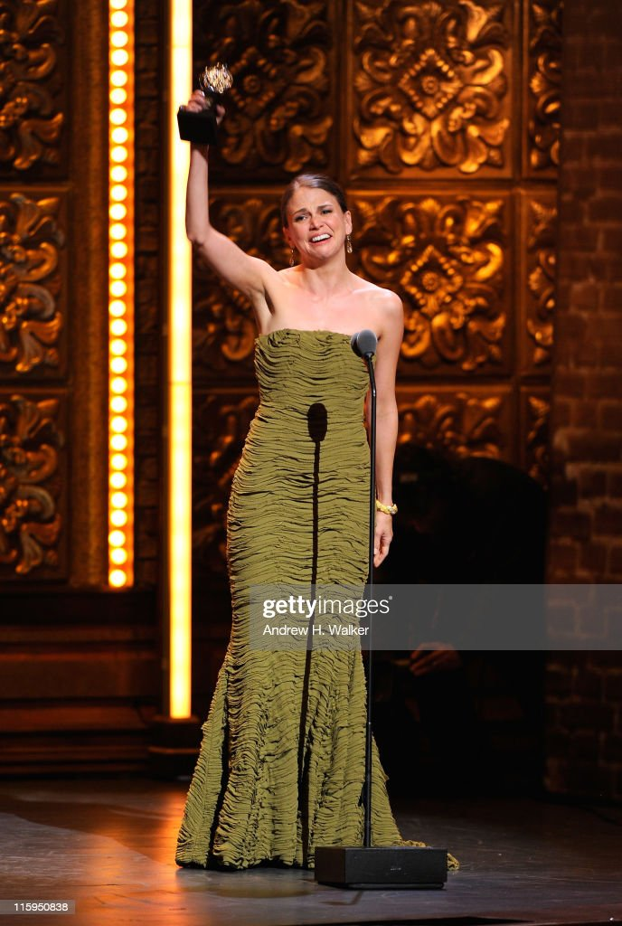 Winner of Best Performance by an Actress in a Leading Role in a Musical Sutton Foster speaks on stage during the 65th Annual Tony Awards at the Beacon Theatre on June 12, 2011 in New York City.