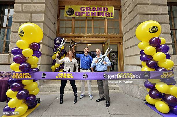 Winner of 'The Biggest Loser' Danni Allen franchise general manager Daniel Figueroa and Planet Fitness franchise owner James Innocenti attend the...