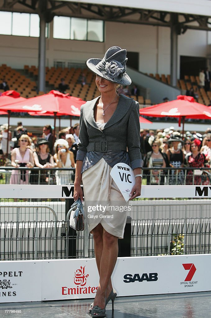 Crown Oaks Day - Myer Fashions On The Field : News Photo