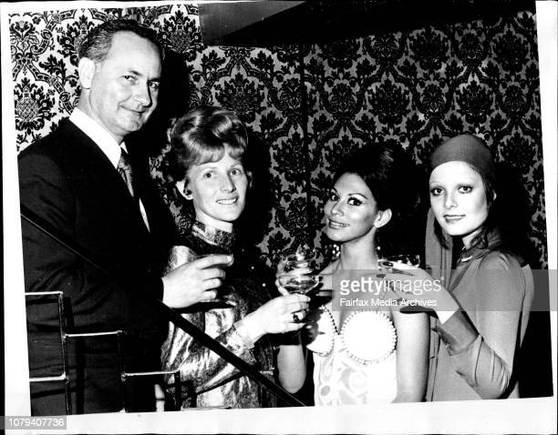 Winner of the Sun Waltons Glamour Contest Mrs Marilyn Helm her husband Keith with Miss World Jennifer Hosten and Miss Universe Marisol Malaret...