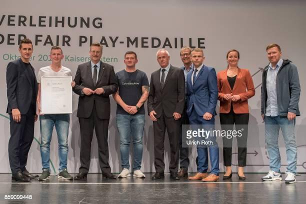 Winner Philipp Beyer and Andreas Streich from the national association MecklenburgVorpommern with Miroslav Klose DFB President Rheinhard Grindel Inka...
