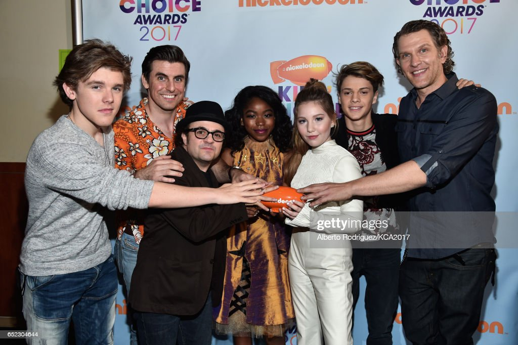 Winners of Favorite TV Show for Henry Danger, Actors (L-R) Sean Ryan Fox, Cooper Barnes, Michael Cohen, Riele Downs, Ella Anderson, Jace Norman, and Jeffrey Brown pose with their award backstage at Nickelodeon's 2017 Kids' Choice Awards at USC Galen Center on March 11, 2017 in Los Angeles, California.