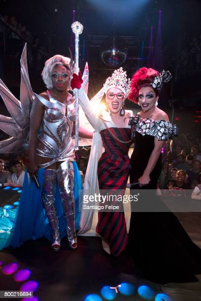 Winners of 'RuPaul's Drag Race' Bob The Drag Queen Sasha Velour and Bianca Del Rio pose for a photo during the crowning at the finale viewing party...