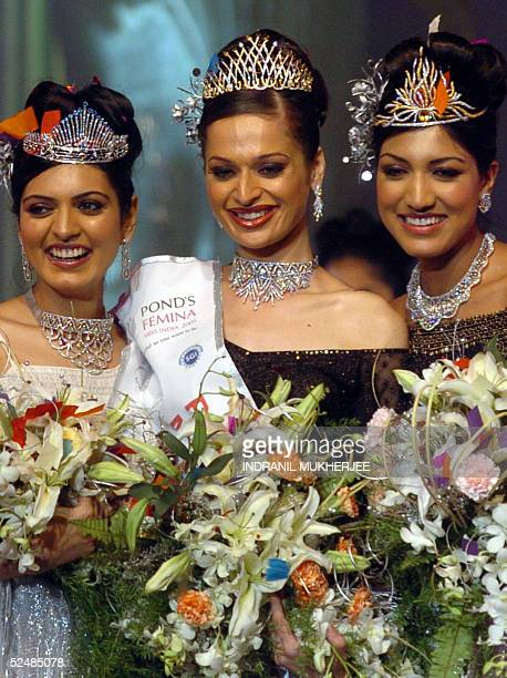Winners of the Pond's Femina Miss India 2005 second runnerup Miss EarthNiharika Singh and first runnerup Pond's Femina Miss India 2005 World Sindhura...