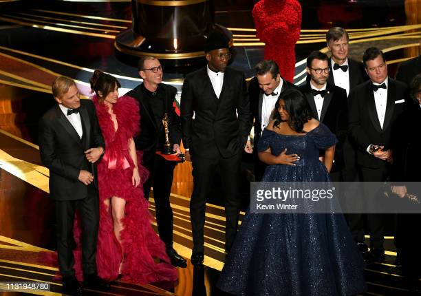 Winners such as Viggo Mortensen Linda Cardellini Mahershala Ali Octavia Spencer and Brian Currie accept the Best Picture award for 'Green Book'...