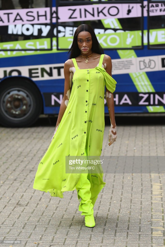 Natasha Zinko - Runway - LFW September 2018 : News Photo