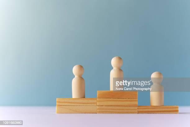 winning conceptual - winners podium stockfoto's en -beelden