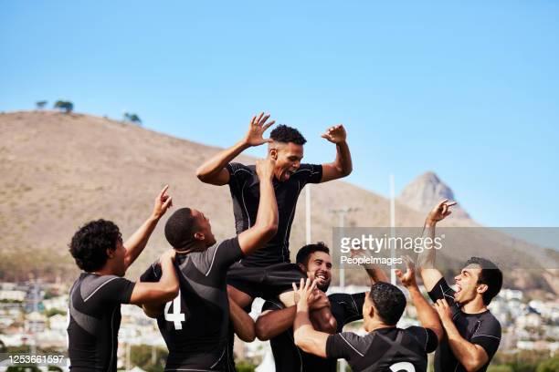 gewinnen gibt ihnen flügel - super rugby stock-fotos und bilder