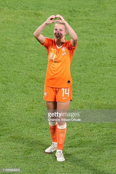 Winning goalscorer Jackie Groenen of the Netherlands celebrates at full time by signing a heart during the 2019 FIFA Women's World Cup France Semi...