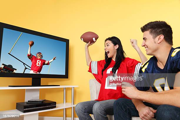 winning touchdown - gchutka stock pictures, royalty-free photos & images