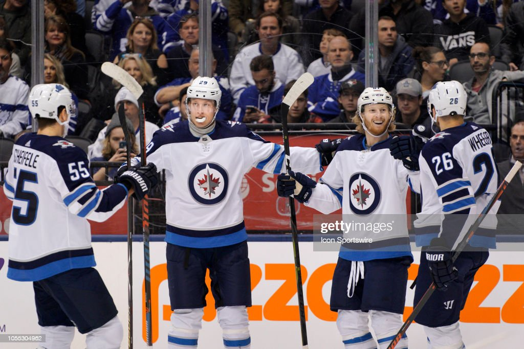 NHL: OCT 27 Jets at Maple Leafs : News Photo
